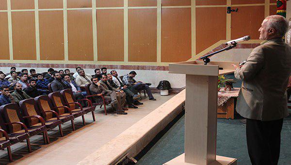 سخنرانی استاد حسن عباسی در اتحادیه انجمن های اسلامی دانش آموزان کرمان - مرگ تدریجی یک رؤیا