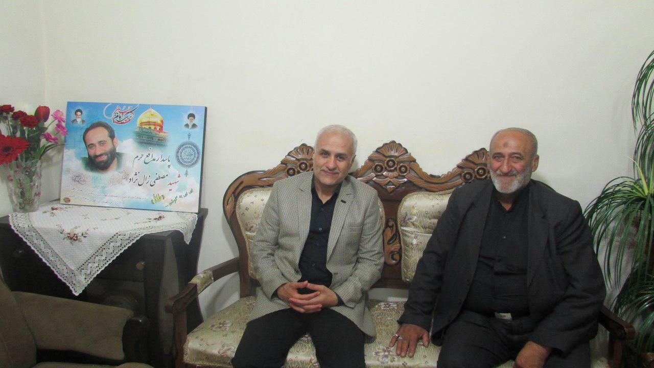 دیدار استاد حسن عباسی با خانواده پاسدار شهید مدافع حرم مصطفی زال نژاد