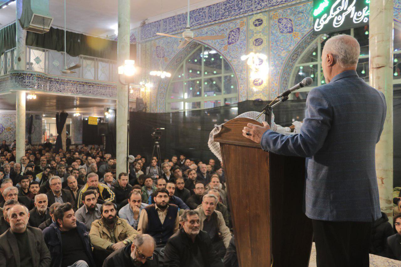 IMG 971116%20%281%29 نقل از تصویری؛ سخنرانی استاد حسن عباسی با موضوع چهل سالگی و همچنين افق های پیش رو