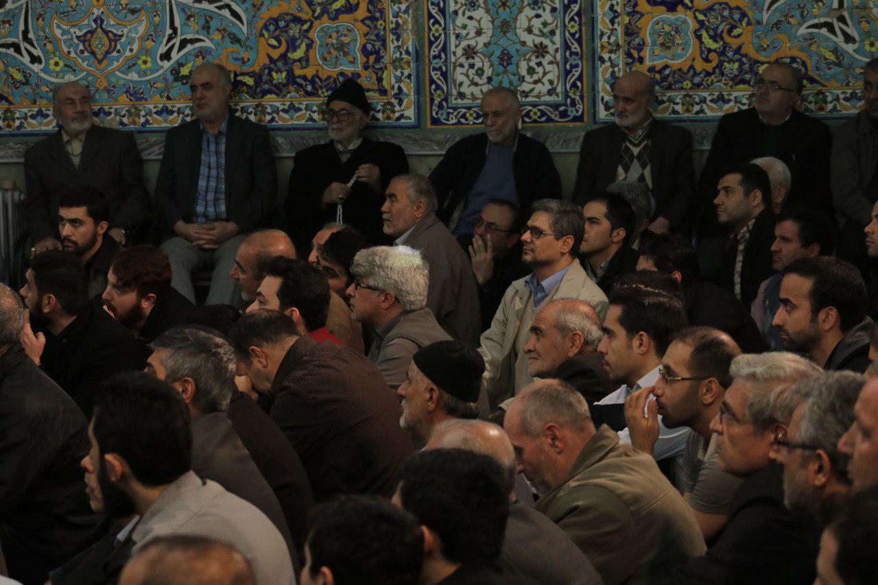 IMG 971116%20%282%29 نقل از تصویری؛ سخنرانی استاد حسن عباسی با موضوع چهل سالگی و همچنين افق های پیش رو