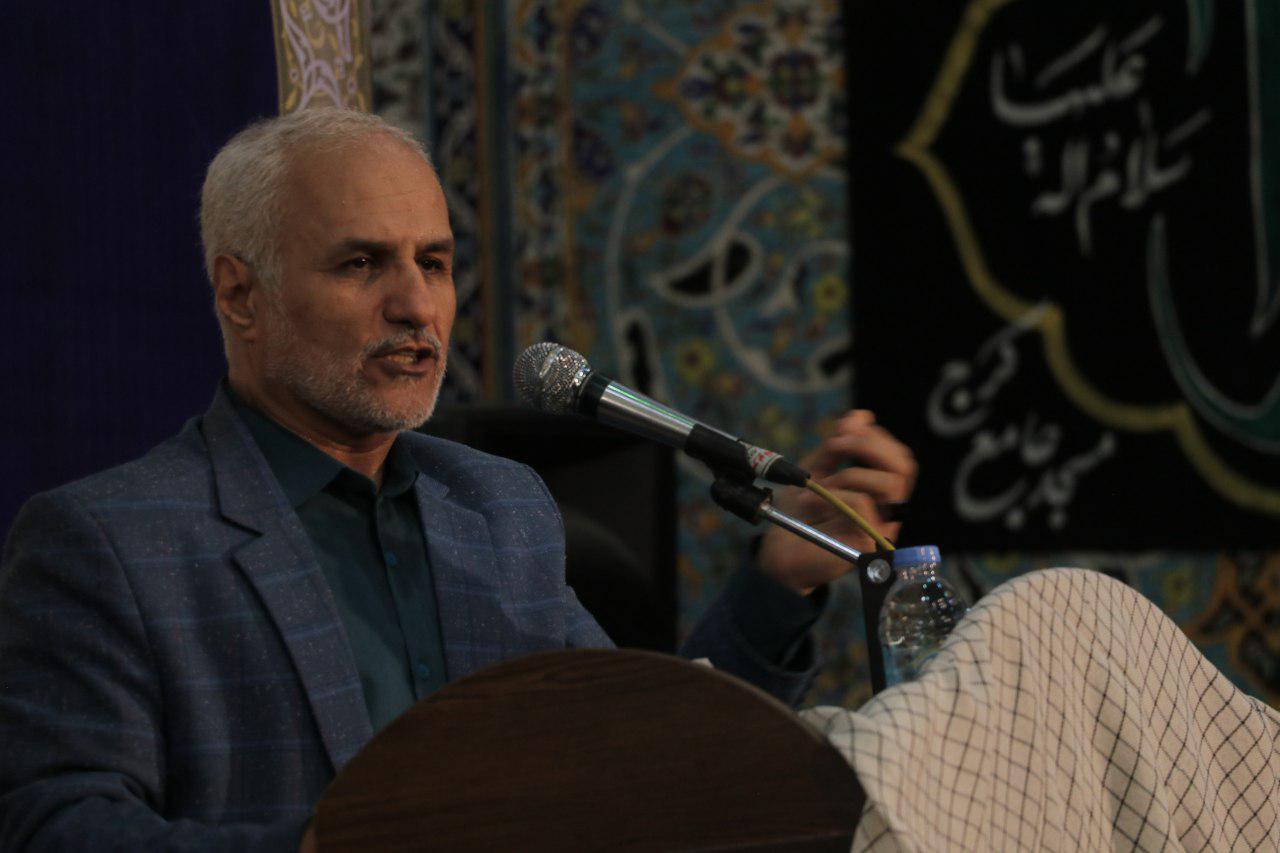 IMG 971116%20%287%29 نقل از تصویری؛ سخنرانی استاد حسن عباسی با موضوع چهل سالگی و همچنين افق های پیش رو