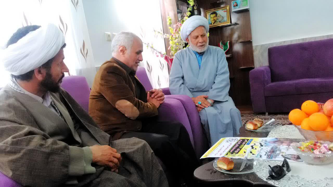 دیدار استاد حسن عباسی با خانواده شهید امیررضا علیزاده