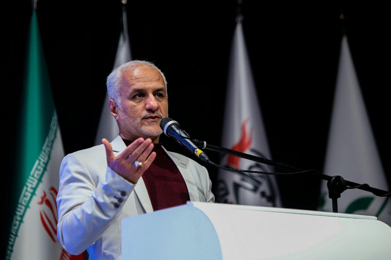IMG 971124%20%2810%29 نقل از تصویری؛ سخنرانی استاد حسن عباسی در اختتامیه پنجمین جشنواره هنر مقاومت