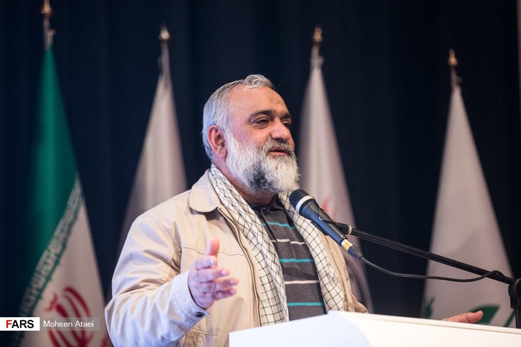 IMG 971124%20%283%29 نقل از تصویری؛ سخنرانی استاد حسن عباسی در اختتامیه پنجمین جشنواره هنر مقاومت