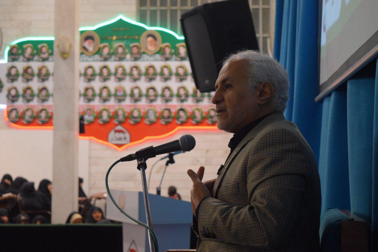 IMG 970910%20%284%29 نقل از تصویری؛ سخنرانی استاد حسن عباسی با موضوع ویژه برنامه جذاب و جالب و خوب هفته وحدت و همچنين بسیج
