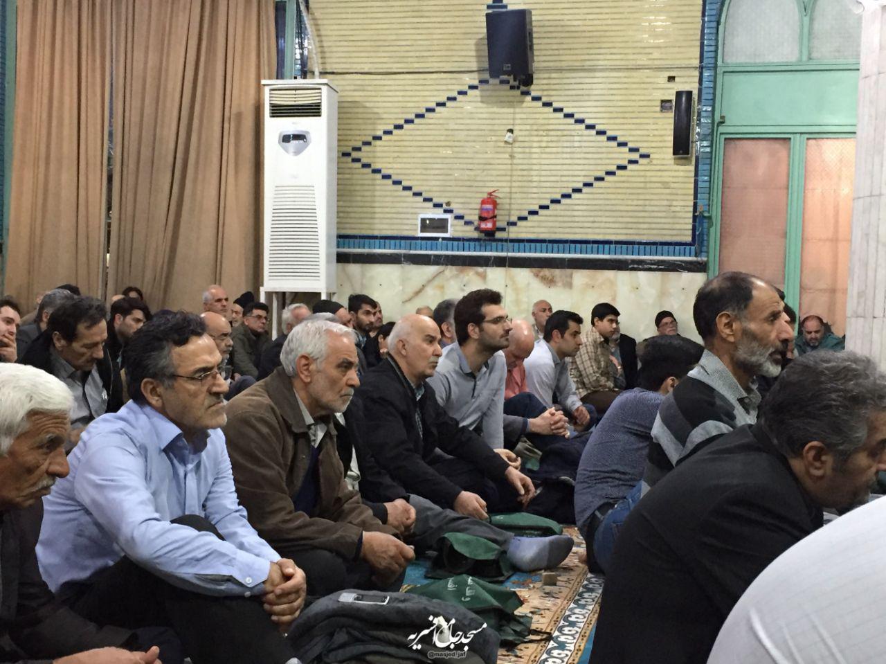 IMG 971123%20%286%29 نقل از تصویری؛ سخنرانی استاد حسن عباسی با موضوع چهل سالگی انقلاب اسلامی و همچنين افق های پیش رو