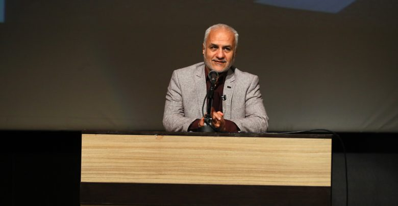 IMG 980215%20%2812%29 نقل از تصویری؛ سخنرانی استاد حسن عباسی در مراسم رونمایی از مستند مکدونالدز تقدیم میکند