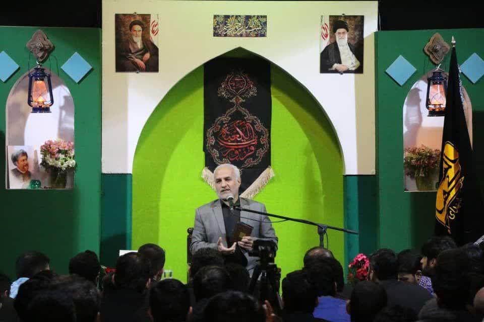 IMG 980306%20%281%29 نقل از تصویری؛ سخنرانی استاد حسن عباسی با موضوع از هبوط تا . . .
